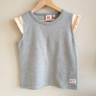 AO76 T.Shirt fille coton gris perforé