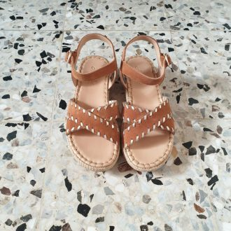 Adolie wedge cross camel platine sandale fille